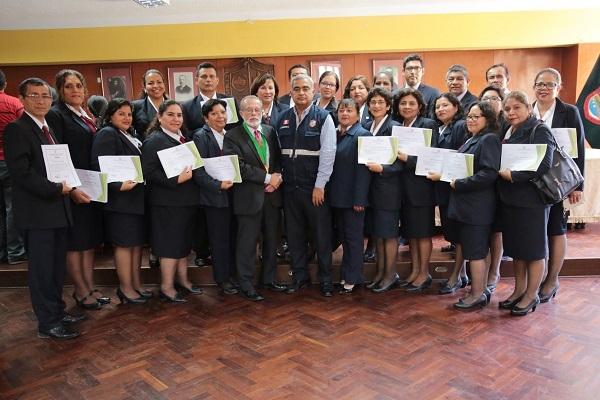 Reconocen participación de Personal Docente y No Docente de nuestra I.E. en Cursos de Gestión de Riesgo de Desastre