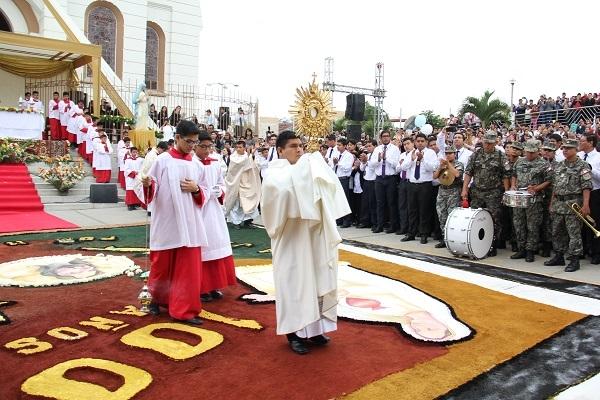 Santa Misa y  Procesión del Corpus Christi 2017